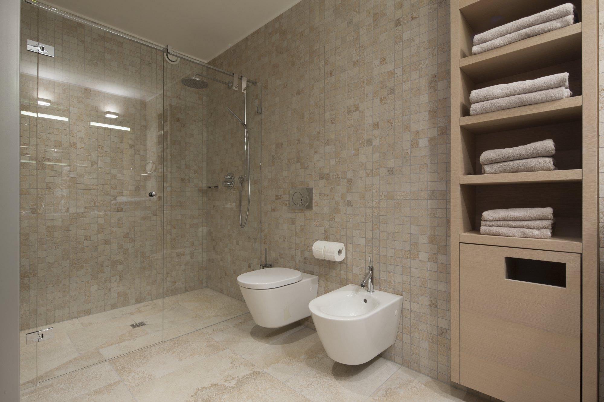 stunning schr nke f r badezimmer images house design. Black Bedroom Furniture Sets. Home Design Ideas