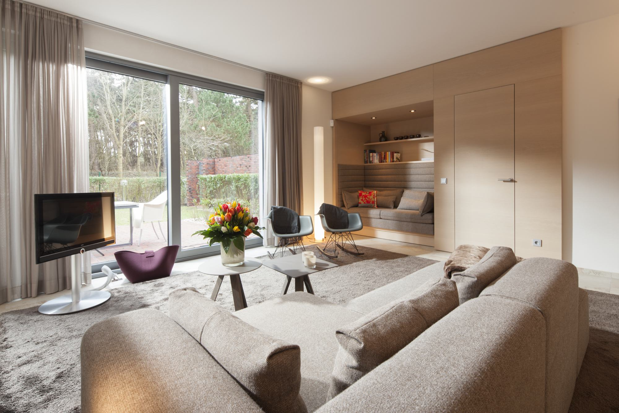 wohnen legno werkst tte f r holzarbeiten. Black Bedroom Furniture Sets. Home Design Ideas