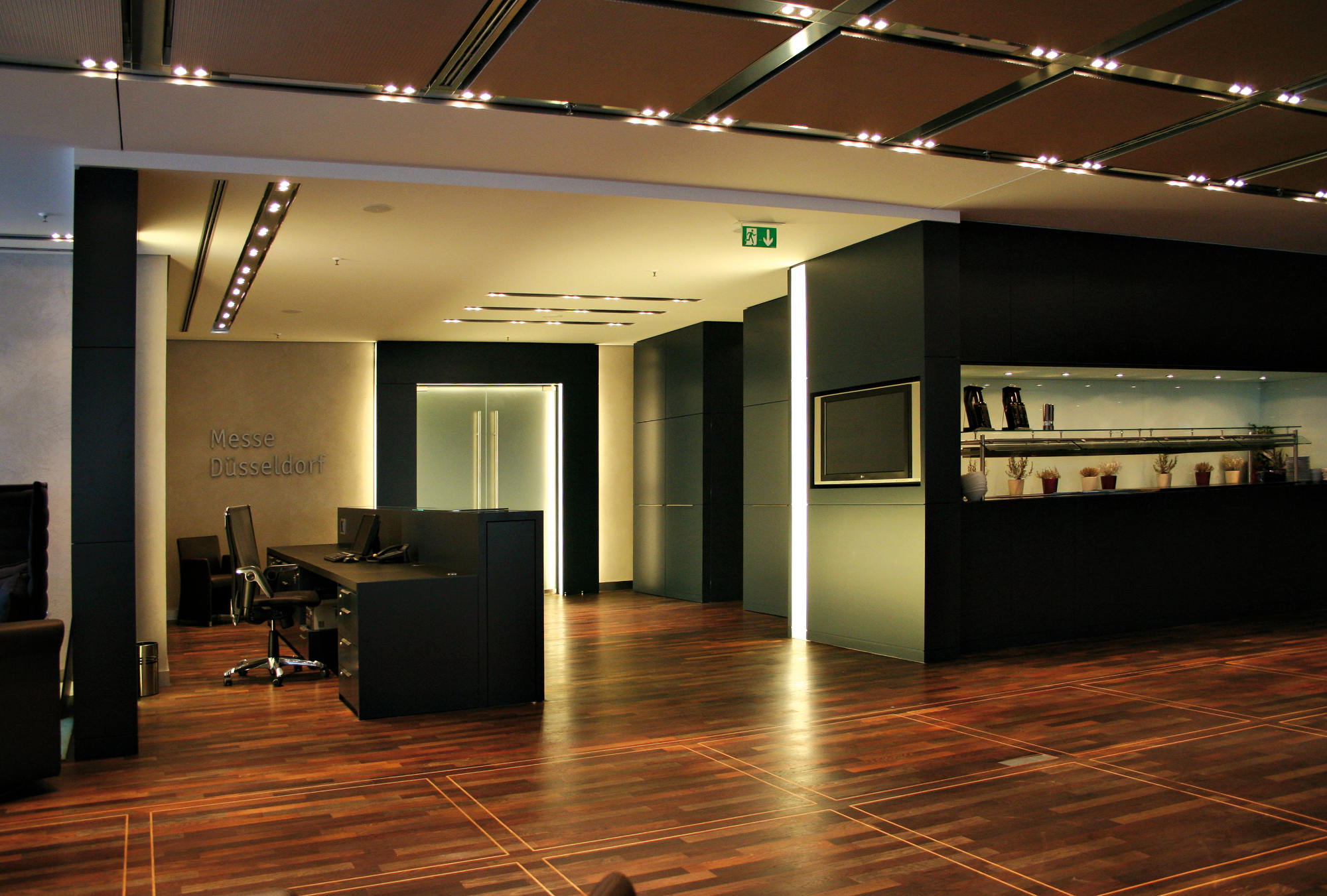vip g steclub messe d sseldorf legno werkst tte f r holzarbeiten. Black Bedroom Furniture Sets. Home Design Ideas