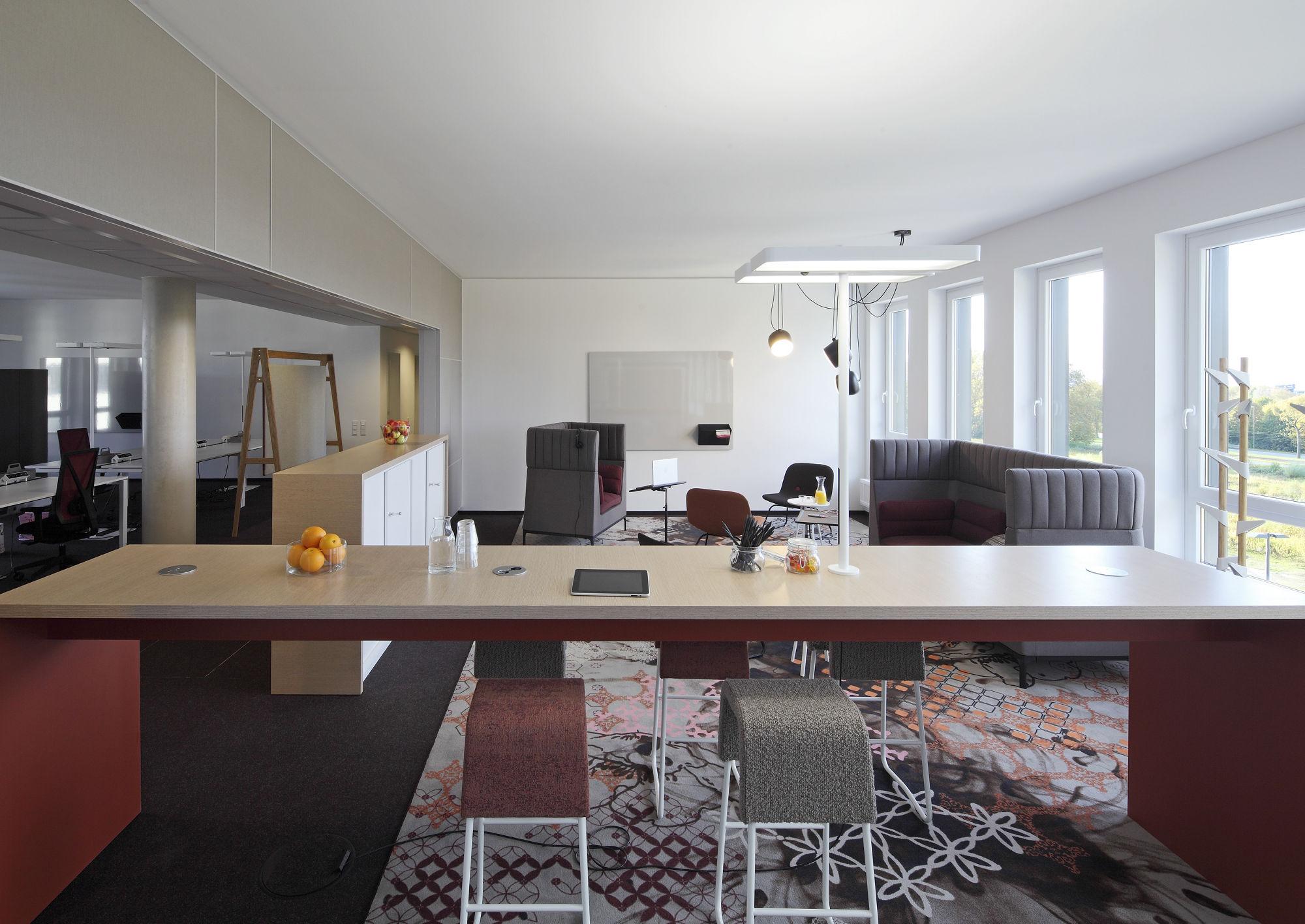 B ros legno werkst tte f r holzarbeiten for Wohnzimmer cafe dortmund